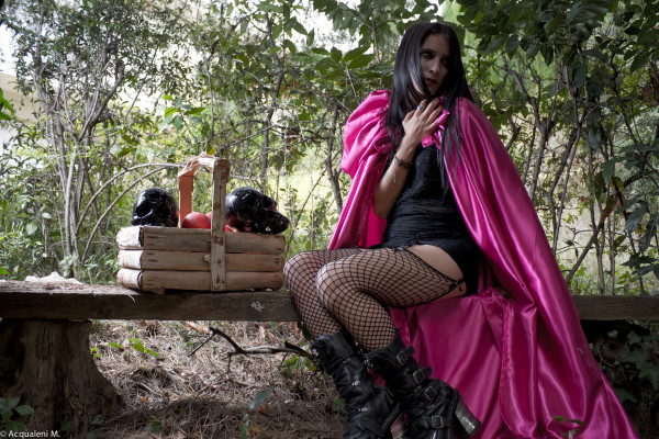 Featured Image Pink Riding Hood