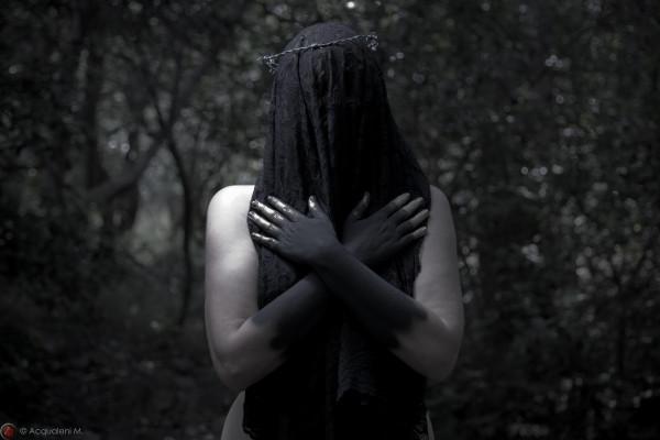 Featured Image Dark veil