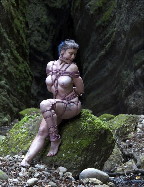 Featured Image Fet-Erotica Issue 48